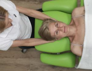 fizjogabinet pacjent podczas rehabilitacji